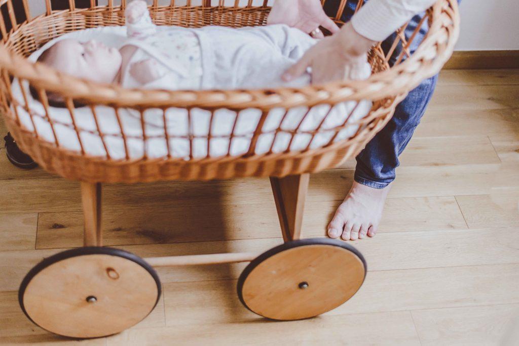 sesja-rodzinna-dzieck-newborn-wroclaw-okonasznurku (18)