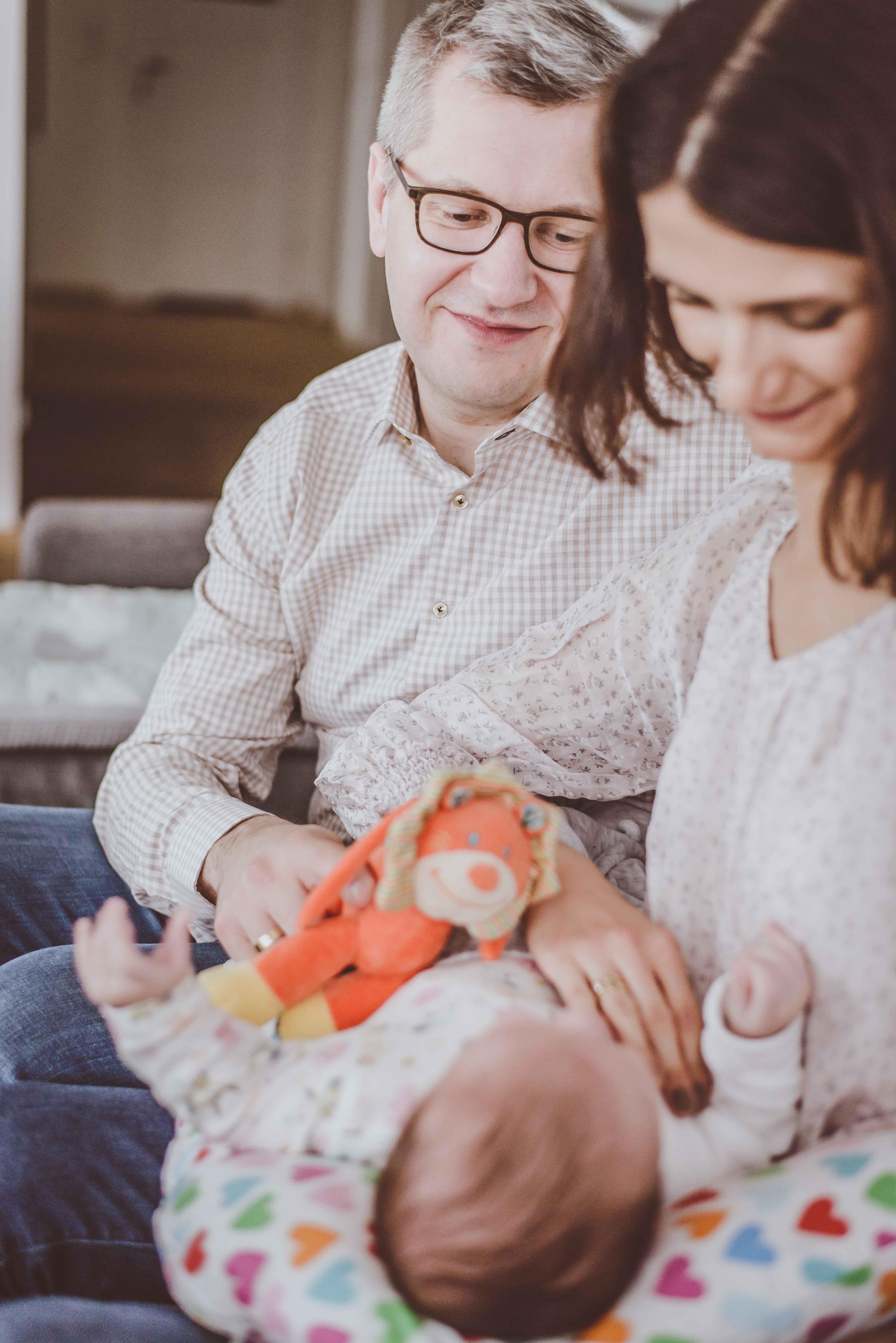 sesja-rodzinna-dzieck-newborn-wroclaw-okonasznurku (21)