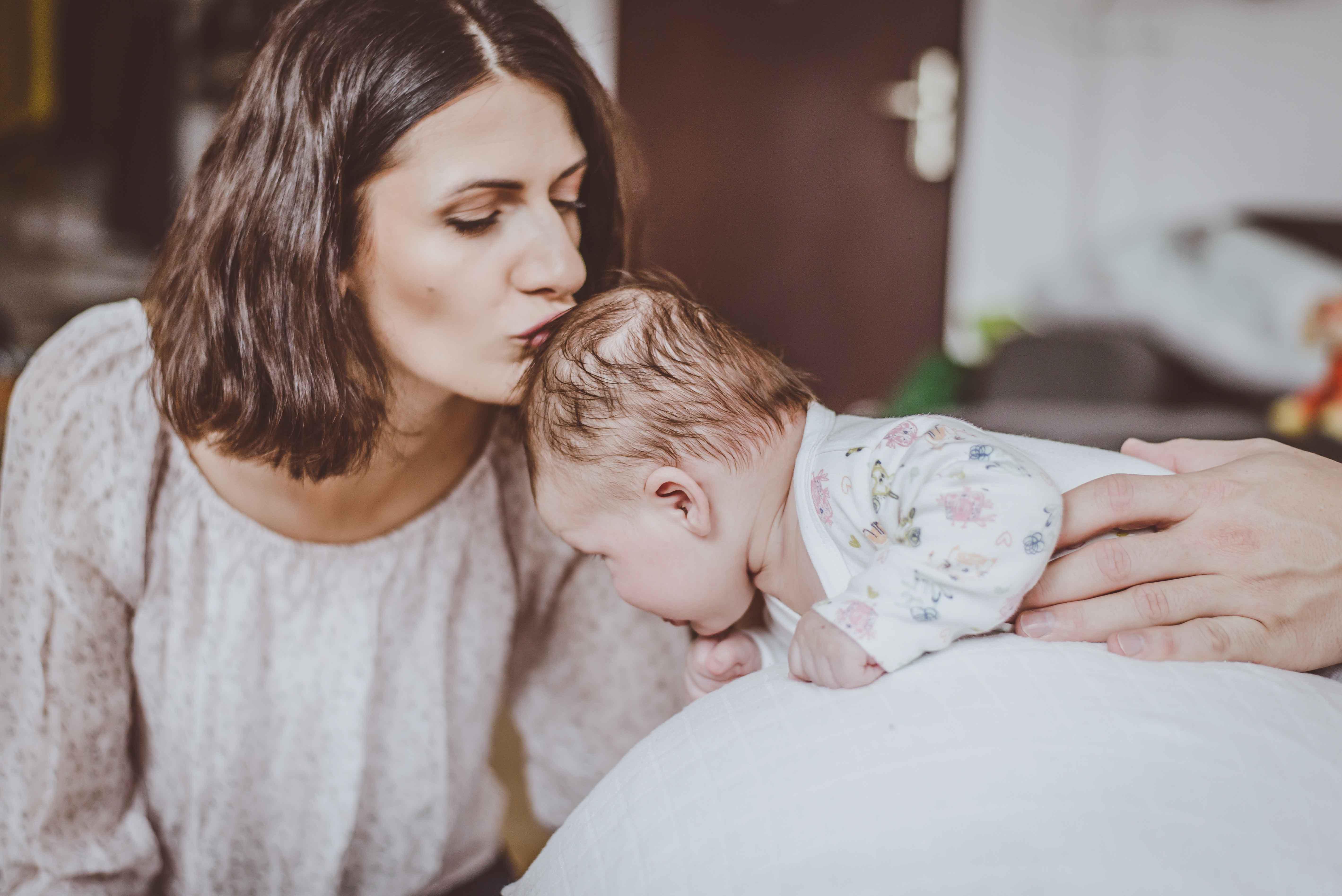 sesja-rodzinna-dzieck-newborn-wroclaw-okonasznurku (29)