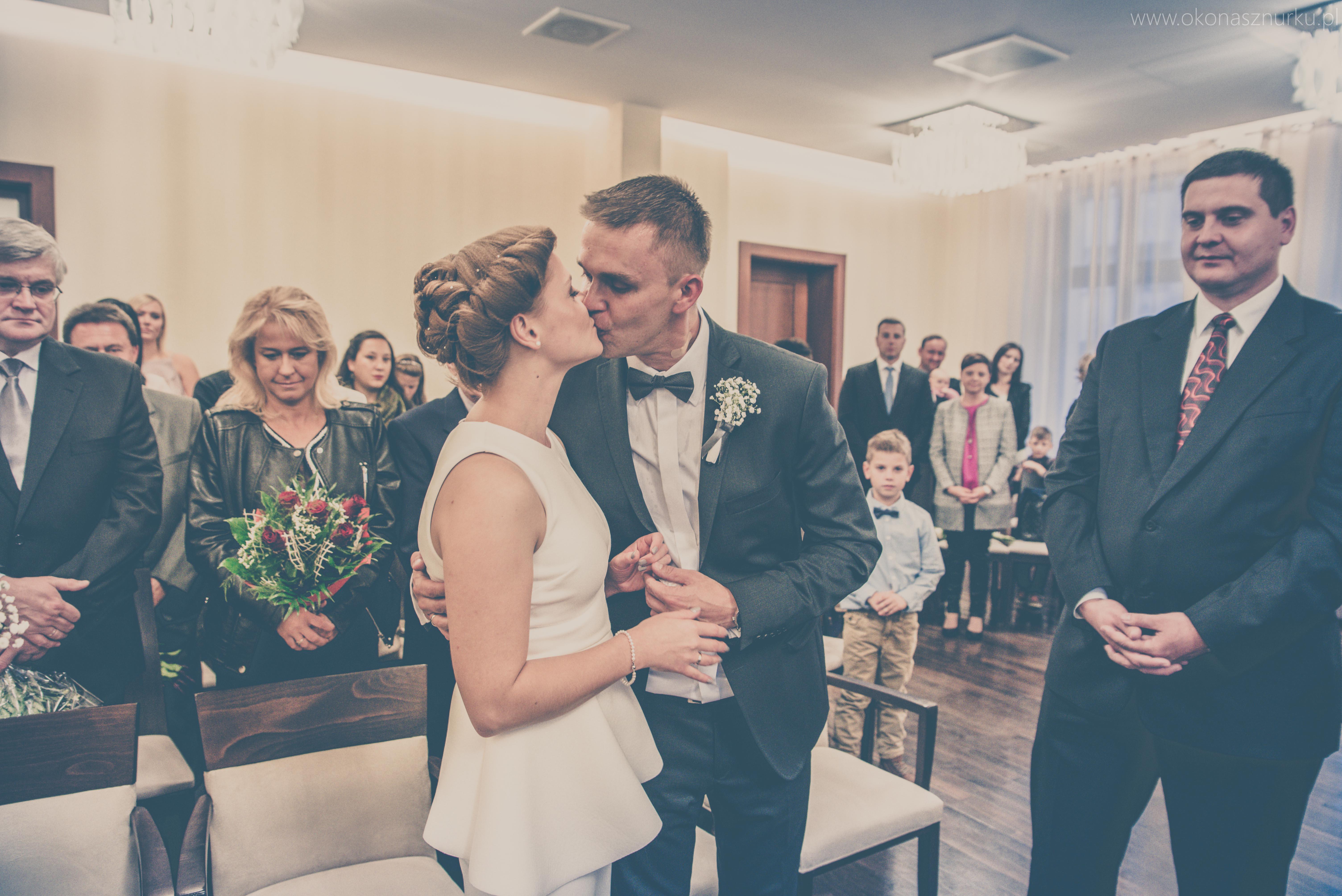 zdjęcia-ślubne-ślub-w-usc