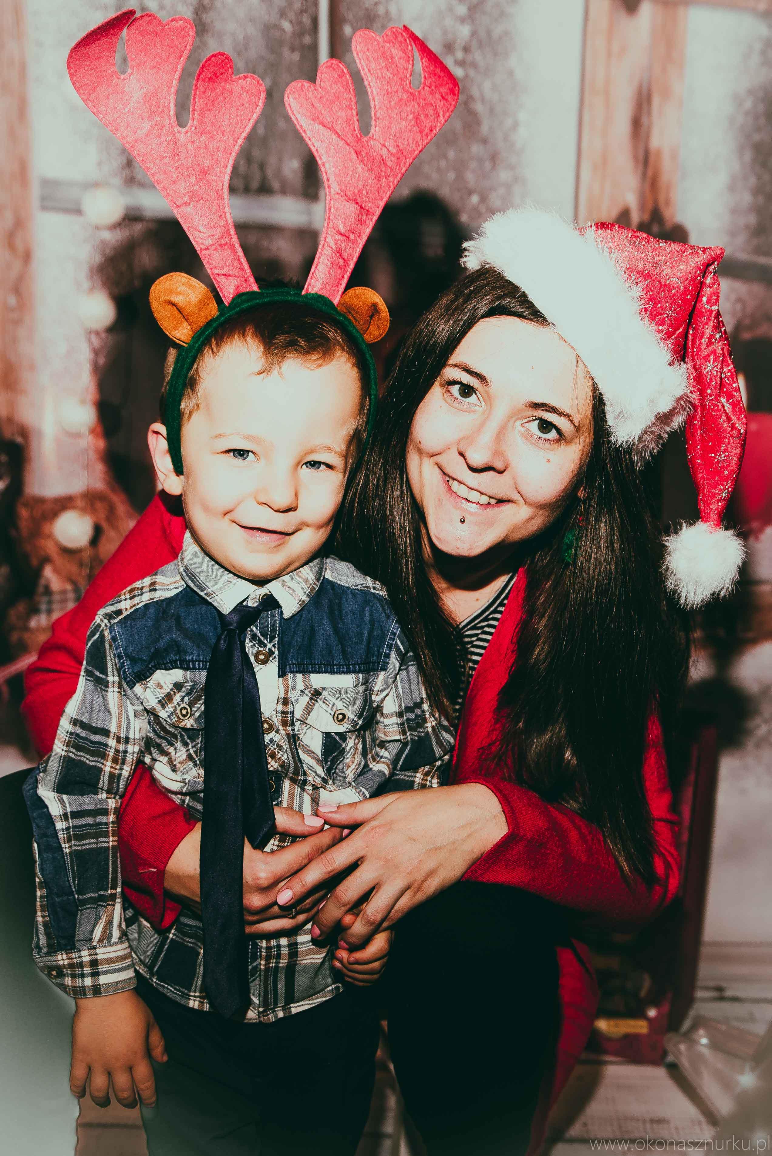 sesja świąteczna fotograficzna dziecka rodziny (12)