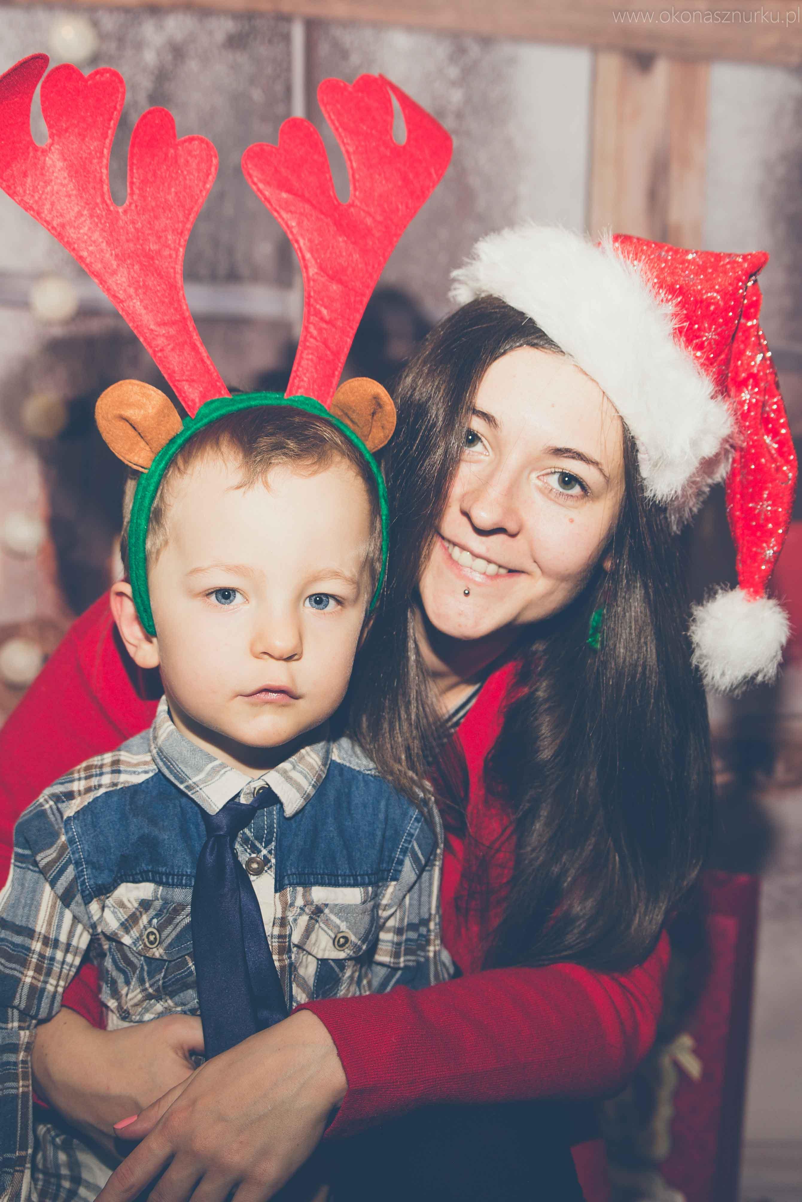 sesja świąteczna fotograficzna dziecka rodziny (7)
