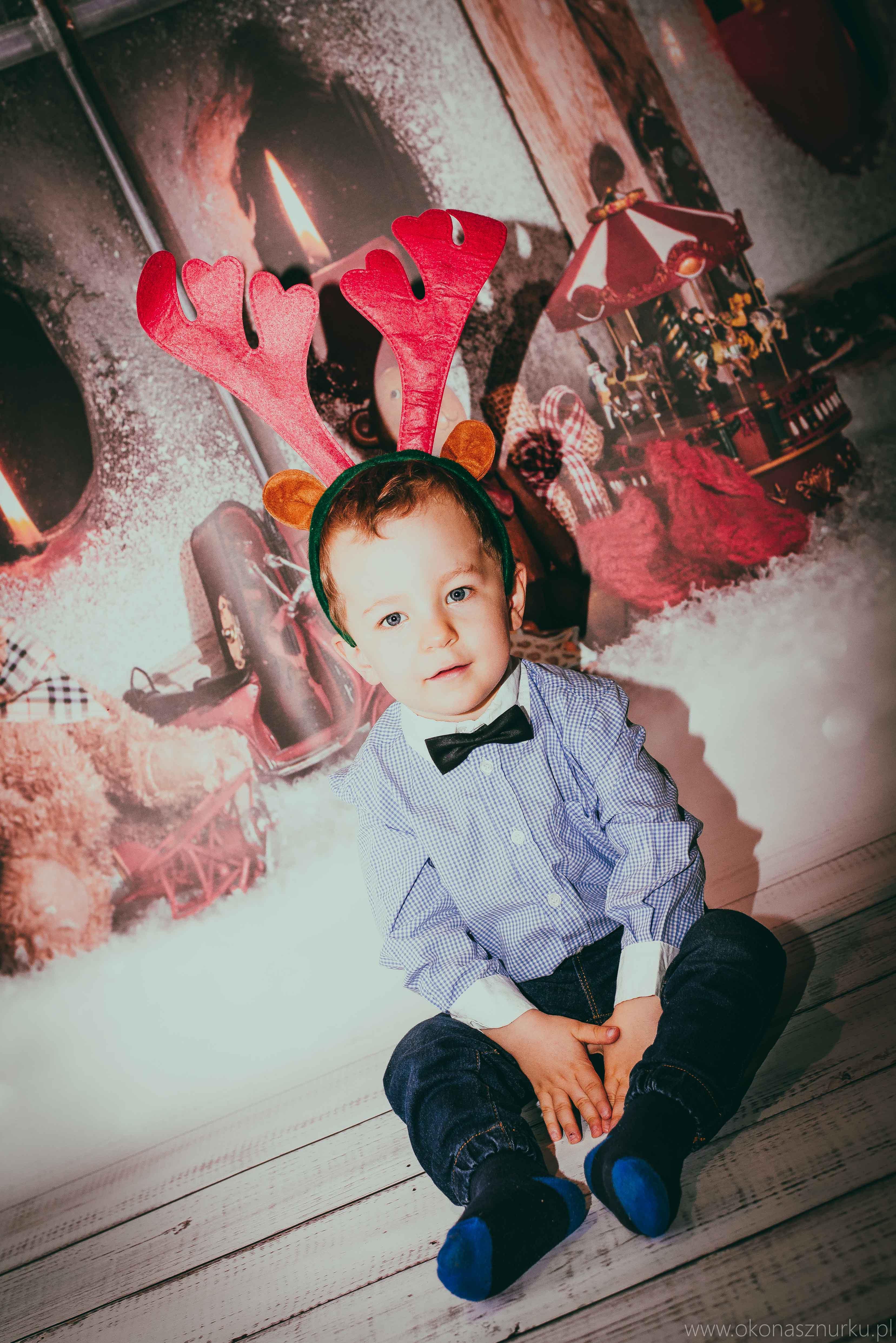 sesja świąteczna fotograficzna dziecka rodziny (8)
