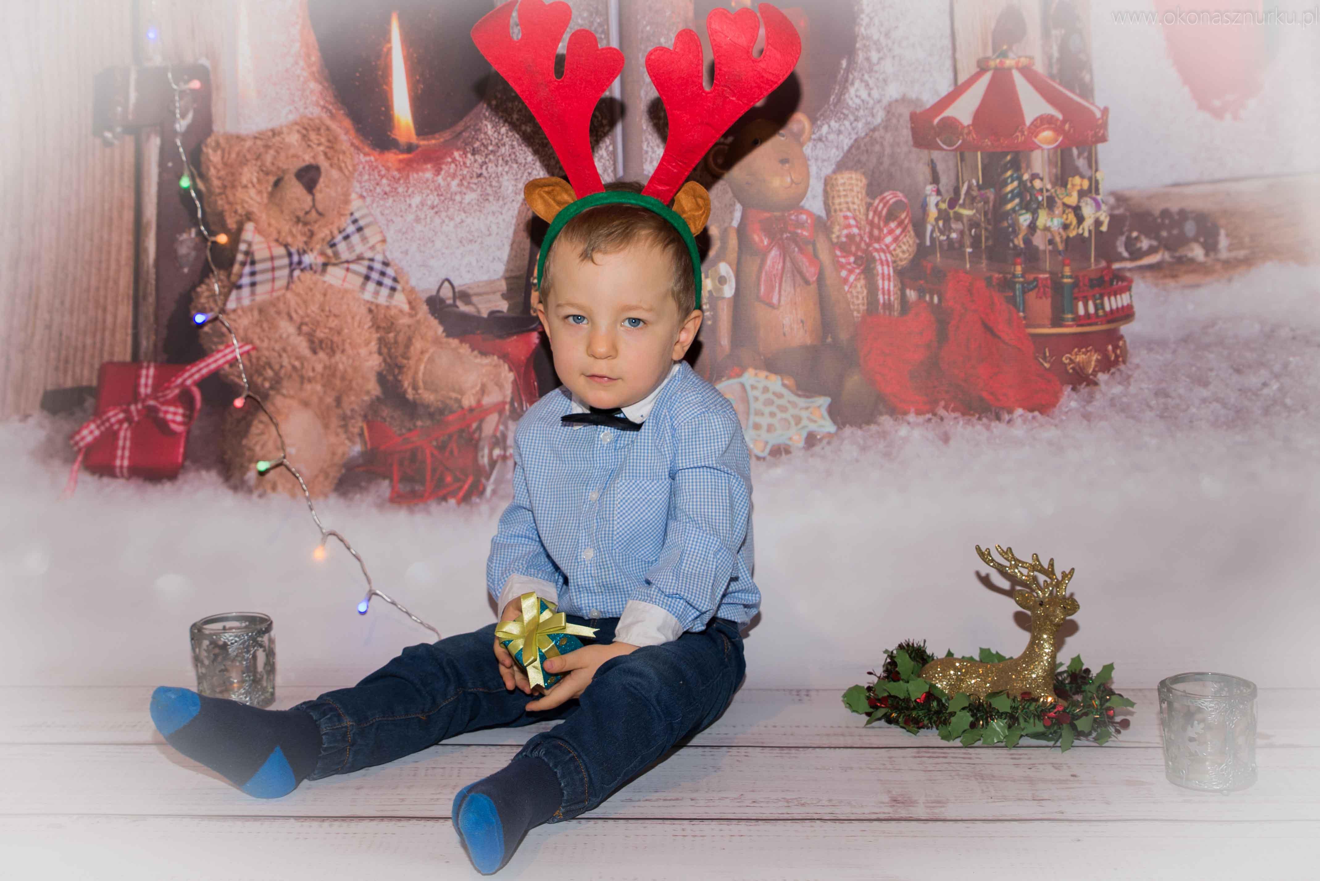 sesja-świąteczna-fotograficzna-dziecka-rodziny