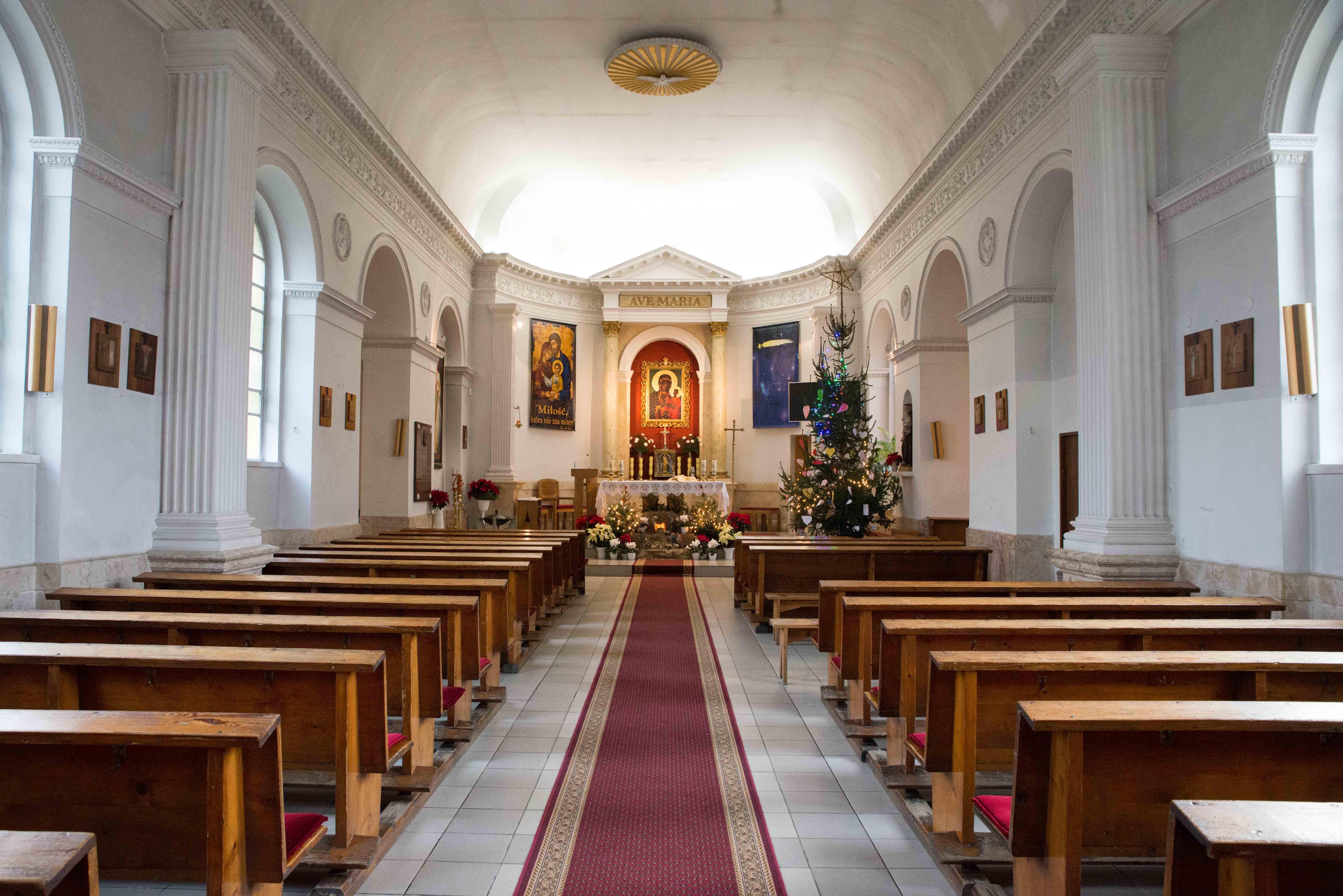 Kosciol Najswietszej Maryi Panny Czestochowskiej we Wroclawiu male (1)