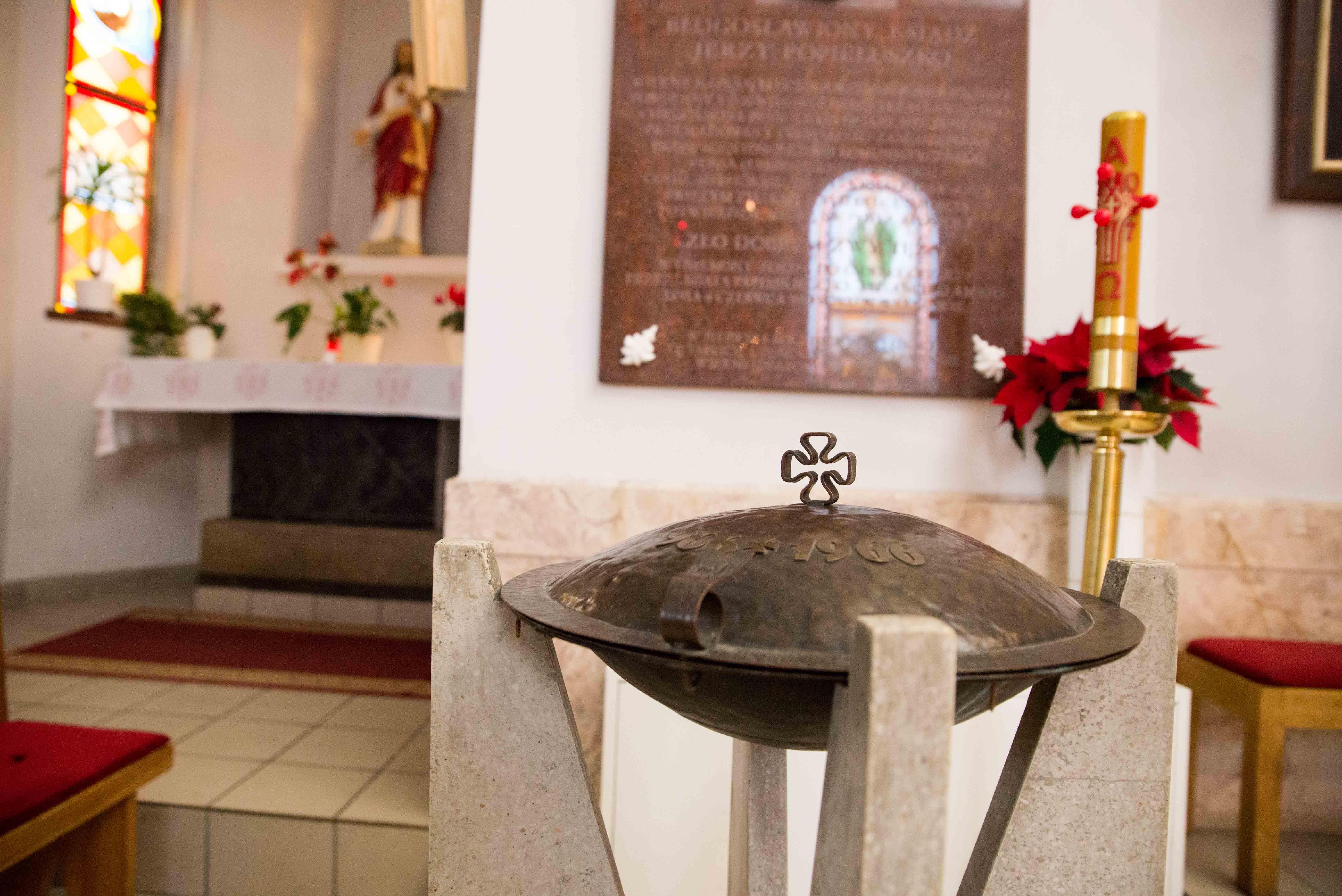 Kosciol Najswietszej Maryi Panny Czestochowskiej we Wroclawiu male (9)